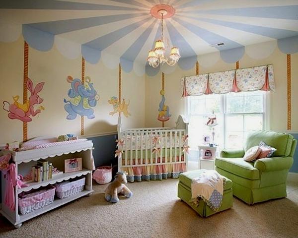babyzimmer mit origineller wandgestaltung