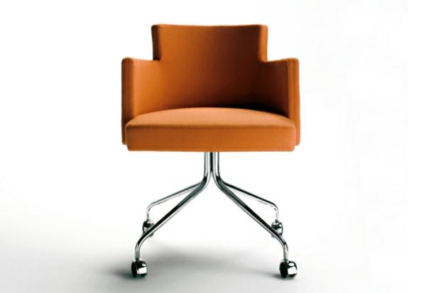 Drehstuhl-in-Orange-für-das-Büro-