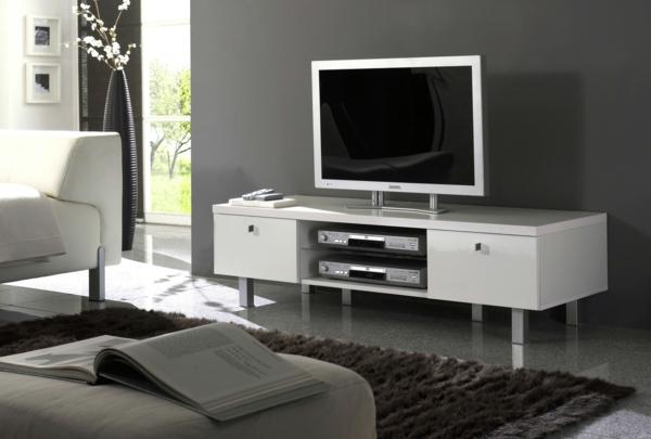 Fernsehschrank-aus-Holz-effektvolles-Design-in--Weiß-Einrichtungsideen-für-das-Wohnzimmer