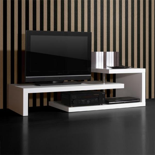 Fernsehständer-in-Weiß-kreative-Ausführung