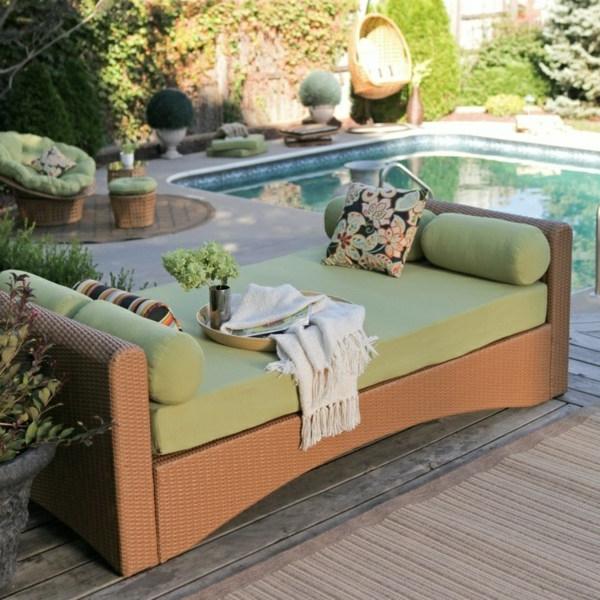 garten-möbel-in-grün-am-pool