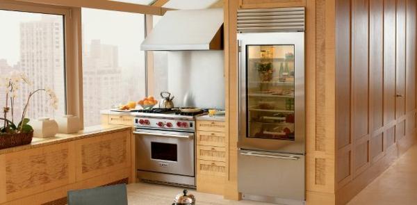Glastürkühlschrank-aus-Holz-super-Design-Küchengestaltung