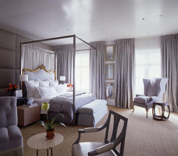 schlafzimmer in hell lila farbe - mit vielen gardinen