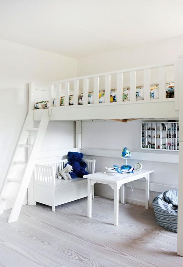 Hochbetten-mit-schönem-Design-Kinderzimmermöbel-in-Weiß