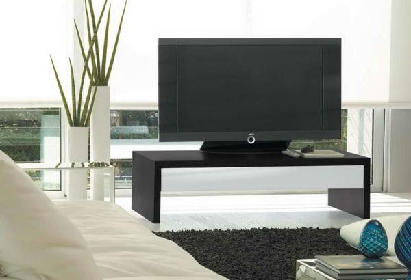 IKEA-Möbel-Fernsehmöbel-TV-Tisch.-aus-Holz-in-dunkler-Farbe