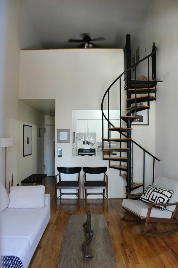 -Innenarchitektur-effektvolles-Design-für-eine-Spindeltreppe