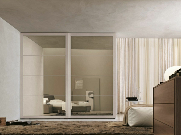 Interior-Design-Ideen-Schiebetüren-Kleiderschrank-Beige