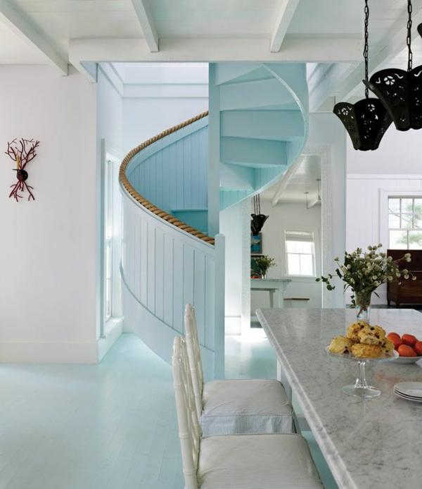 -Interior-Design-Ideen-Spindeltreppe-mit-originellem-Design--