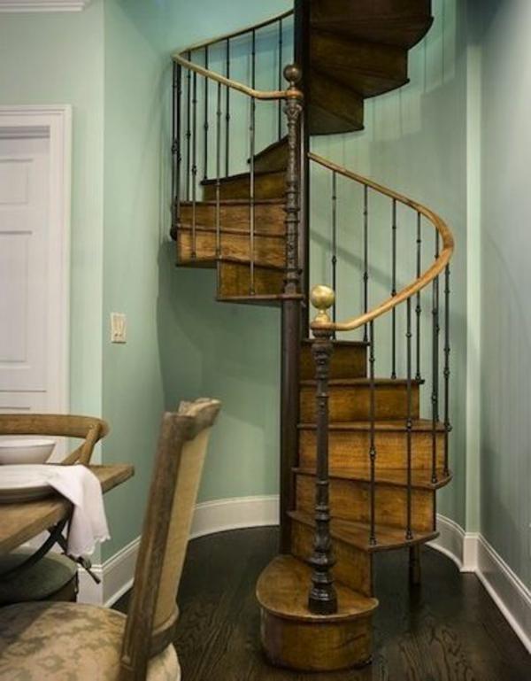 Interior-Design-Innenarchitektur-moderne-Innentreppen-aus-Holz-