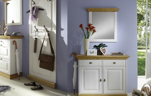 Interior-Design-mit-modernen-Flurmöbeln--in-Weiß