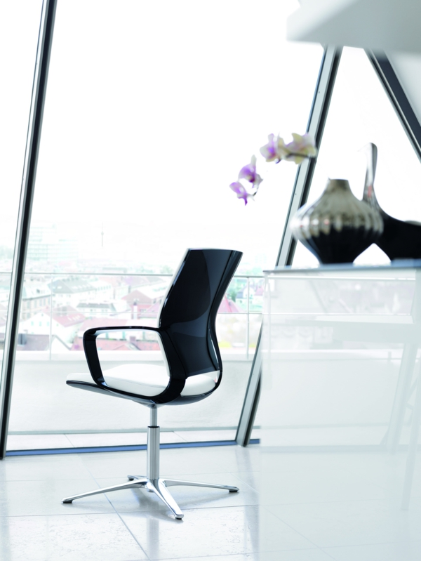 Klöber-Moteo-Bürostuhl-Design-schwarz