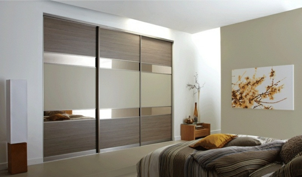 Kleiderschrank-Schiebetüren-Spiegel-modernes-Interior-Design-Wohnideen--
