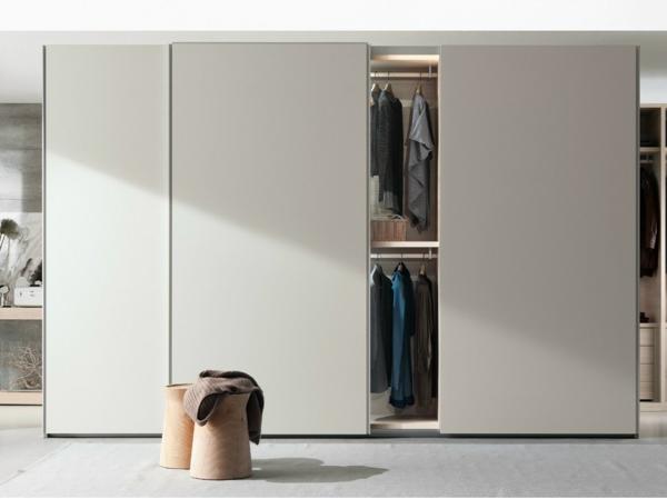 Kleiderschrank-Weiß-Kleiderschrank-Schiebetüren-Spiegel-modernes-Interior-Design-Wohnideen
