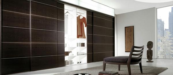Luxus-Kleiderschrank-Schiebetüren-Spiegel-modernes-Interior-Design-Wohnideen-