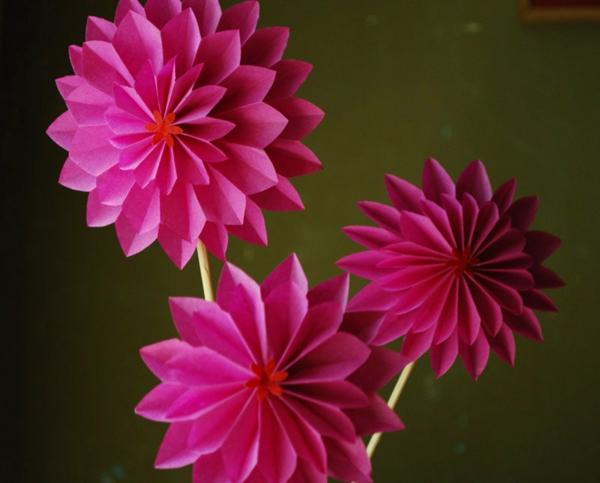 origami-pink-blumen-gefaltet