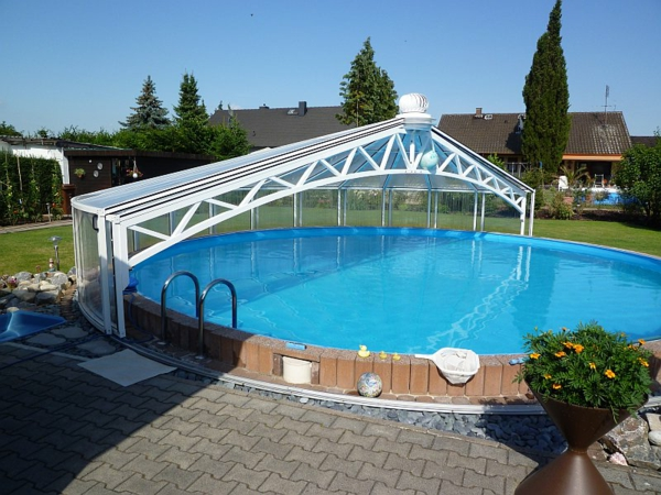 Poolüberdachung-rund-modernes-Design-Pool-mit-Überdachung-Rundbecken-mit-Überdachung