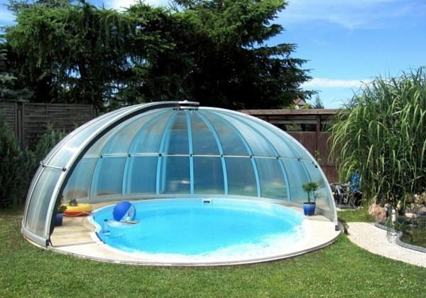 Poolüberdachung-rund-modernes-Design-Pool-mit-Überdachung