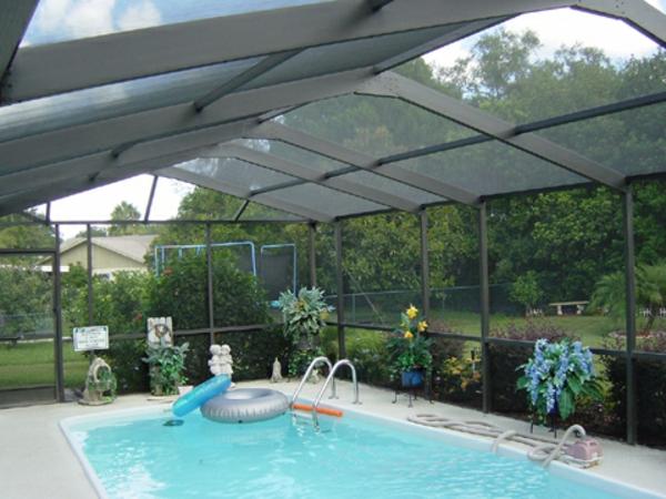 Pool-Überdachung-moderne-Poolgestaltung-Schwimmbadüberdachungen