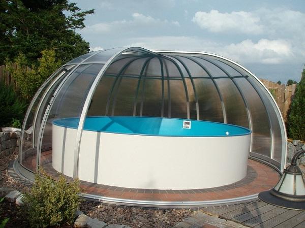 -Pool-Überdachung-moderne-Poolgestaltung-Schwimmbadüberdachungen
