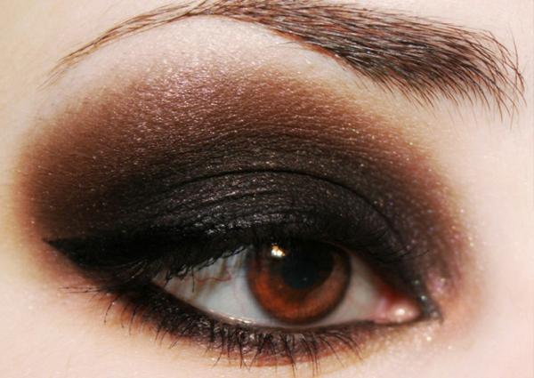mysteriösen look schaffen - smokey eyes make up