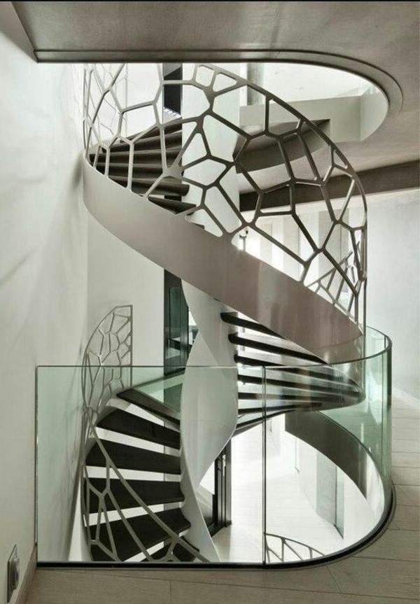 Spiraltreppe-mit-sehr-schönem-Design--