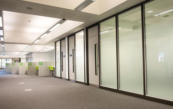 -Super- -moderne-Trennwände-Trennwandsysteme-interior-design-ideen-wohnideen