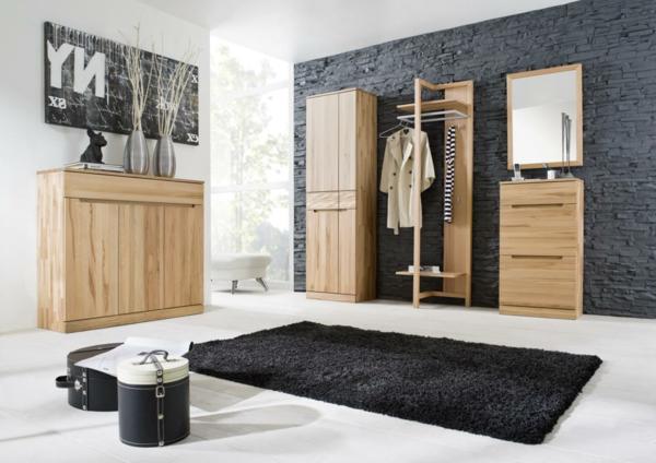 Super-moderne-und-aktuelle-Dielenmöbel-schwarzer-Teppich