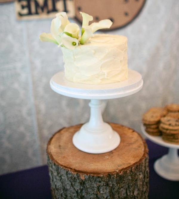 feier zur hölzernen hochzeit - kleine süße torte