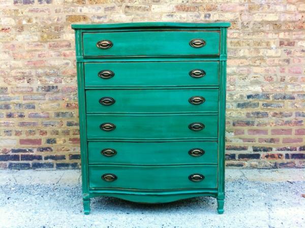 Vintage-Kommode-in-schöner-grüner-Farbe