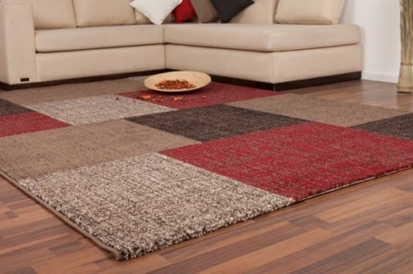 patchwork-teppich-in-warmen-farben