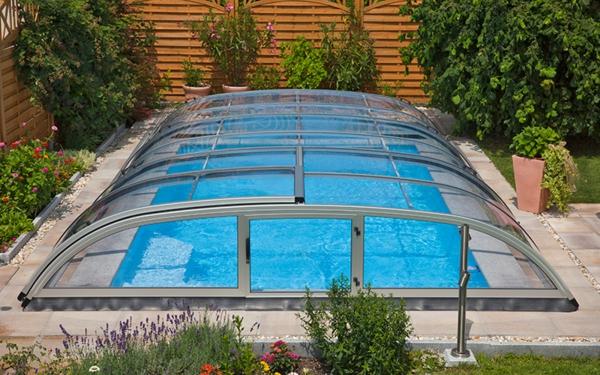 Zenith-Ueberdachung-Pool2-moderne-elegante-Poolüberdachungen-mit-schönem-Design