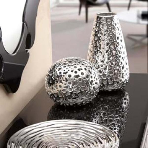 vase in silber der hingucker auch in ihr zuhause. Black Bedroom Furniture Sets. Home Design Ideas