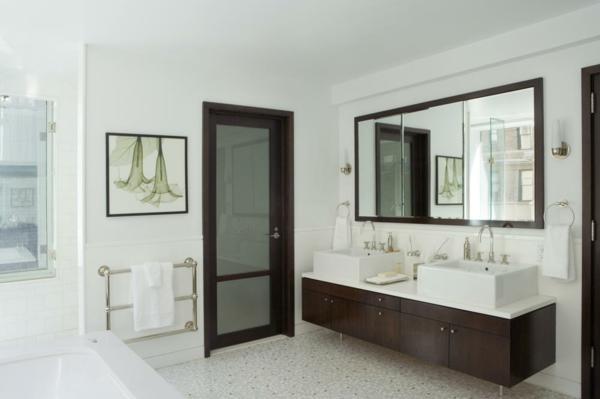 badezimmer-schlicht-holz
