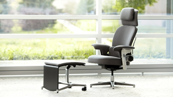 bequemer-Bürostuhl-elegantes-Modell-Büromöbel-in-Schwarz