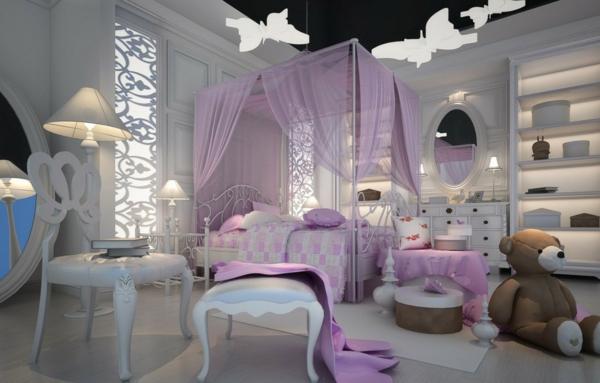 bett mit lila gardinen im herrlichen schlafzimmer