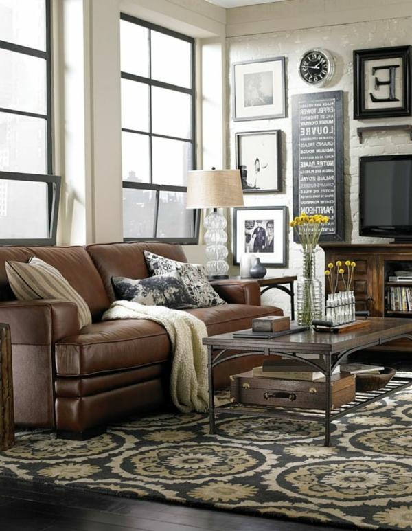 -braunes-komfortables-sofa-aus-leder-für-das-wohnzimmer