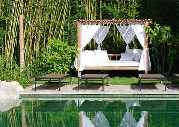 entspannen-pool-bett-himmlisch