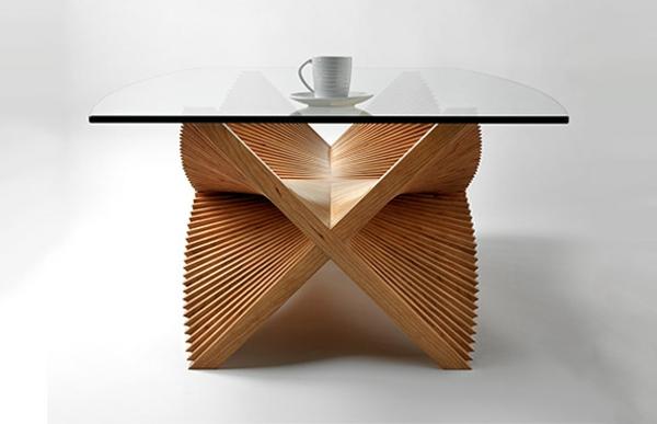 designer-tische-gläserne-oberfläche