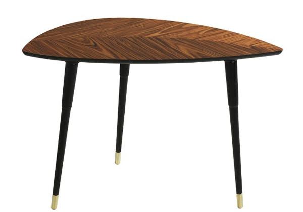 designer-tische-kleiner-tisch-mit-drei-beinen