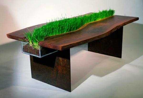 designer-tische-kreatives-modell-mit-bepflanzung-in-der-mitte