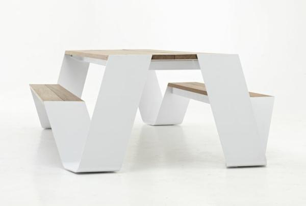 designer-tische-weißes-modell-mit-sitzbänken