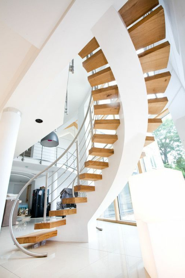 effektvolle-Spiraltreppe-mit-sehr-schönem-Design