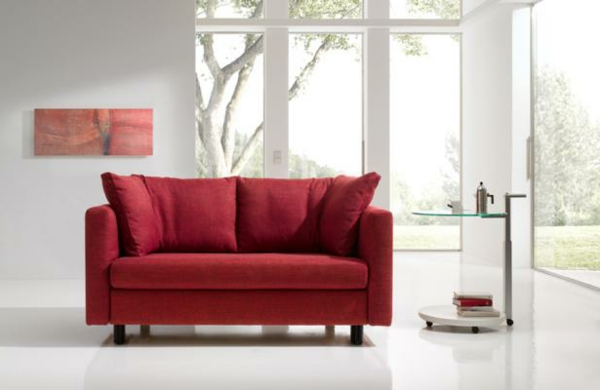 ein-fantastisches-modell-sofa-in-rot