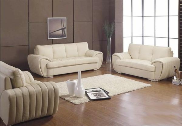 ein-gemütliches-wohnzimmer-einrichten-ledercouch-design-
