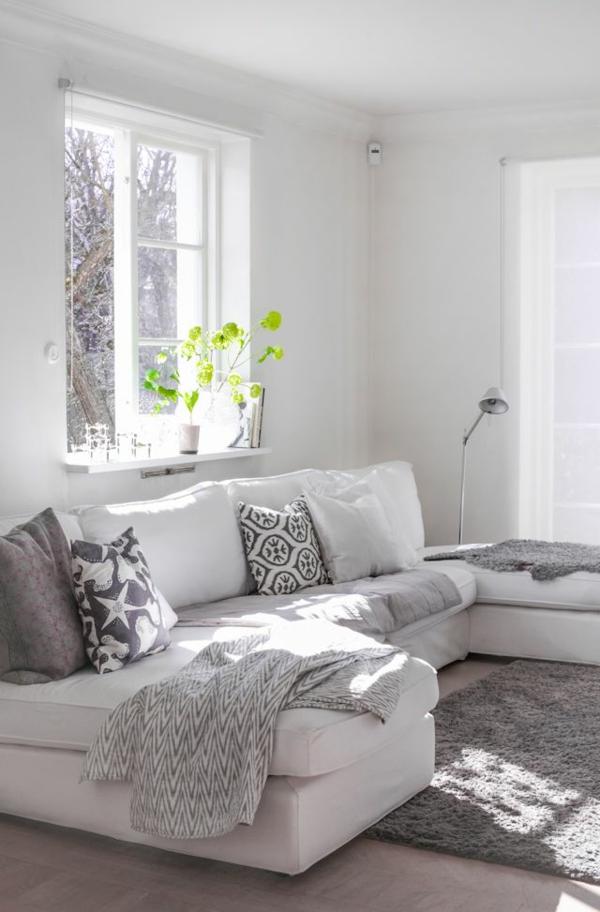 eine-fantastische-eckcouch-komfort-im-wohnzimmer-tolle-einrichtungsideen-weiße-eckcouch