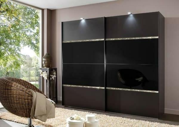 elegante-schwarze-Schiebetüren-für-Kleiderschrank-schöne-Wohnideen-für-Zuhause