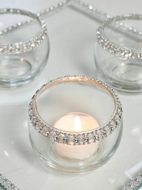 elegante-stilvolle-kerzen-halter-aus-kristall