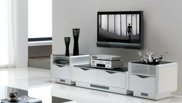 eleganter-weißer-TV-Schrank-mit-super-Design-für-das-Wohnzimmer