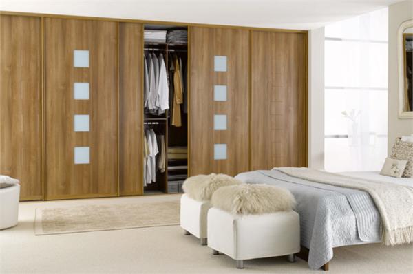 eleganter.-Kleiderschrank-Schiebetüren-schöne-Ideen-für-Interior-Design
