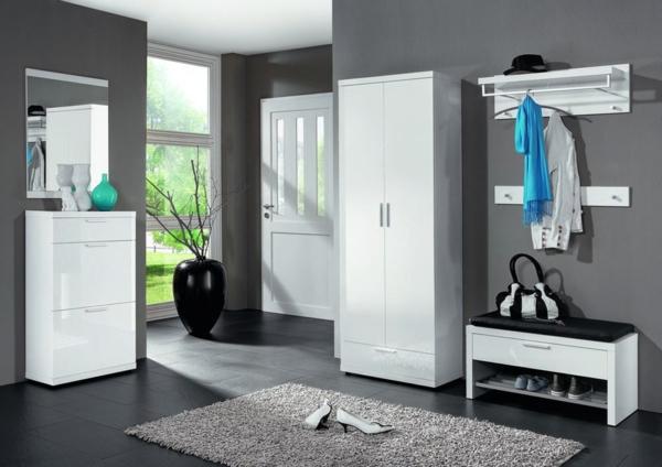 elegantes-Möbelset-praktische-und-effektvolle_Dielenmöbel-mit-schönem-Design